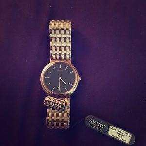 752b424d5b54 Seiko Accessories - Seiko Quartz Gold Watch With Black Dial
